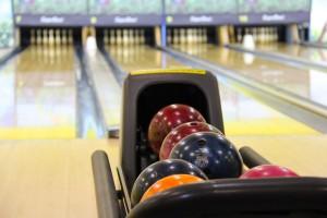 bowling-bowling-balls-game-53115